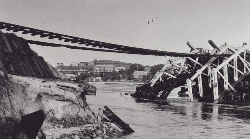 North_Fremantle_Railway_Bridge_collapse,_1926_resized